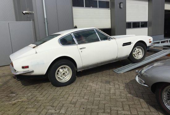 Aston Martin DBS V8 1973 LHD - 2