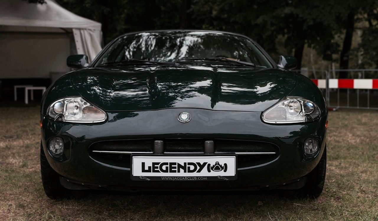 Jaguar XK8 4.0 X100 - Art of Performance